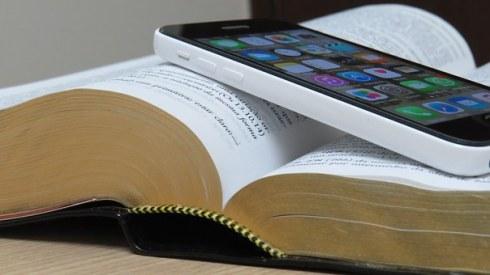 bible-1021657__340